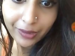 Hot Desi babe on cam