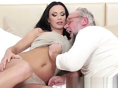 Busty eurobabe fucked passionately overwrought grandpa