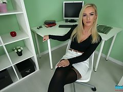 Gilt office woman Naomi gets naked and shows off entertaining make away