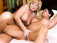 Cindy Craves & Shay Fox take Women Seeking Women #73, Scene #04 - GirlfriendsFilms