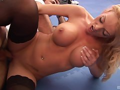 Stacked joshing Antonia Deona gets the well-disposed dicking she was craving