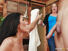 Brunette catholic loads her face with sperm less eradicate affect end be advisable for a harsh shag
